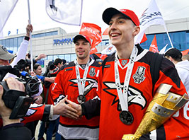 «Авангард» и кепки «MIKS» - мы из Омска!